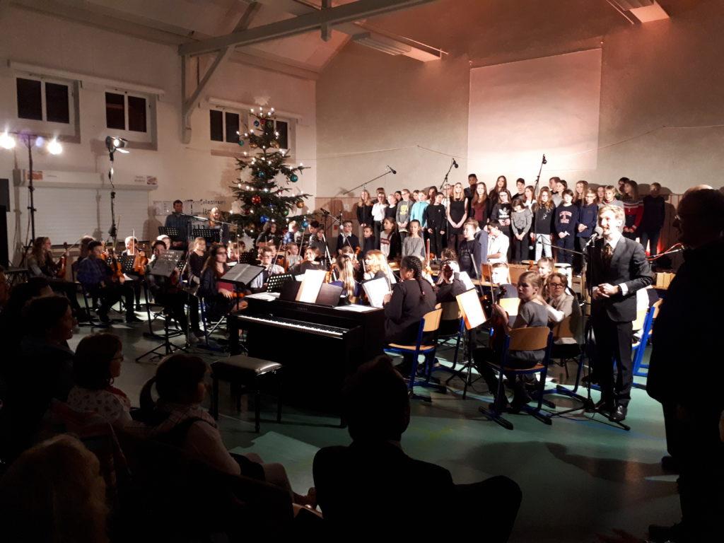 Chor, Streicher- & Percussiongruppe